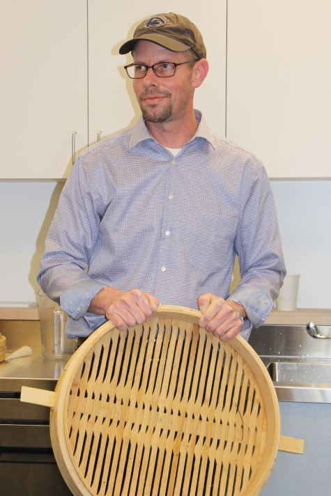 Jer with Bao steamer tray